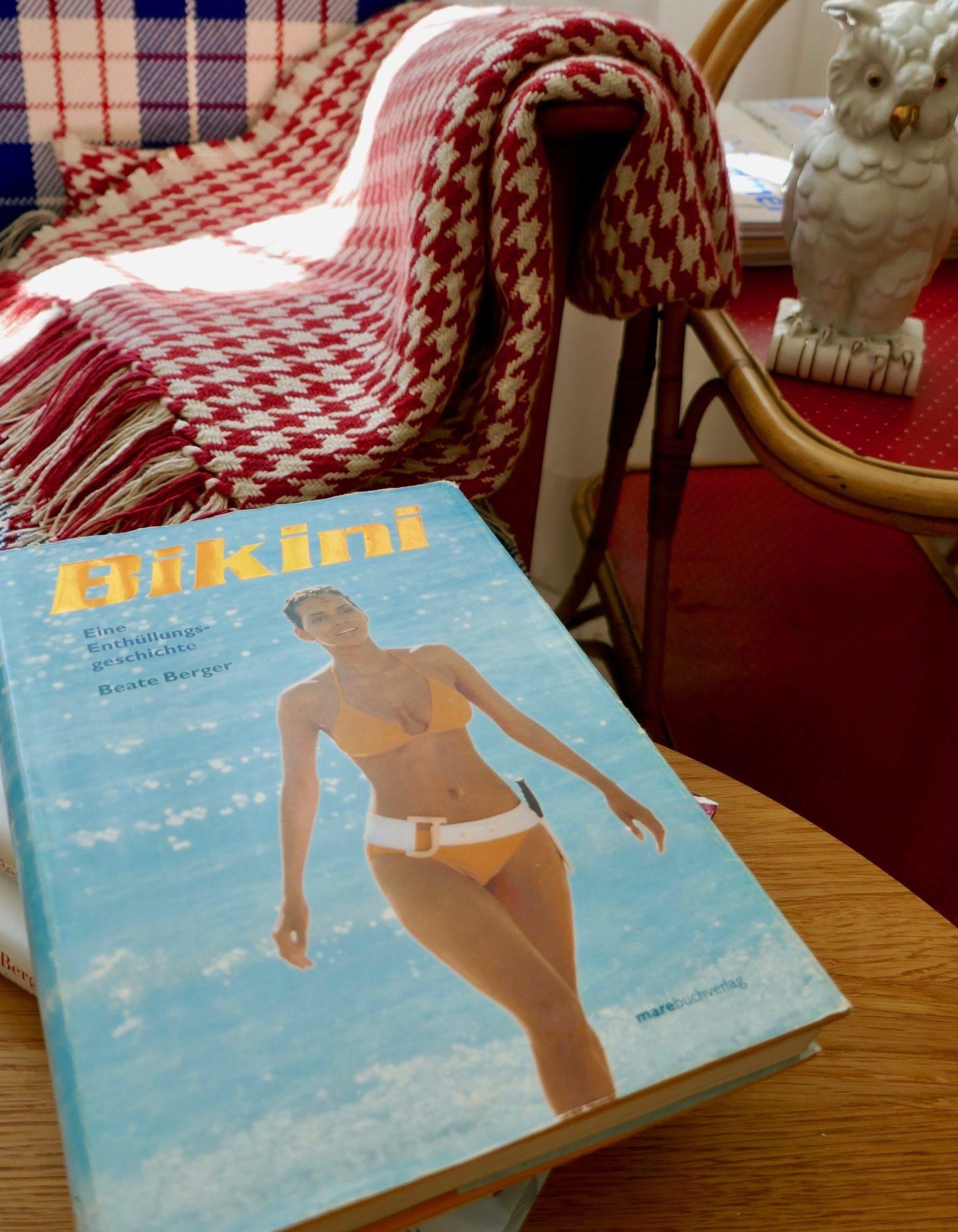 Foto Bikini Buch